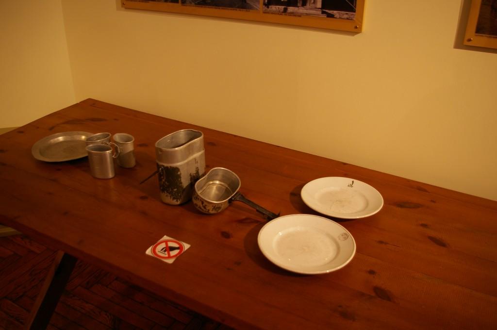 Iš tokių servizų valgė Latvijos kareiviai