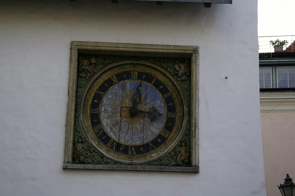 Šv. Dvasios bažnyčios fasado laikrodis