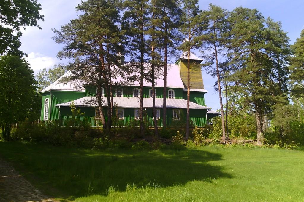 Medinė bažnyčia